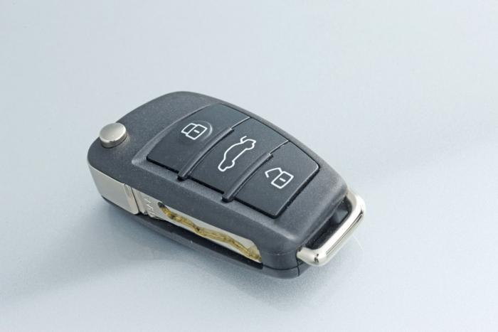Audi Q3 keys locked in boot